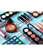 de nombreux produits de maquillage adaptés à chaque teint
